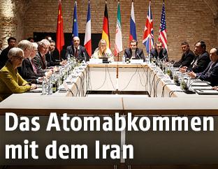 Vertreter mehrerer Staaten während der Verhandlungen zum Atomdeal mit dem Iran 2015