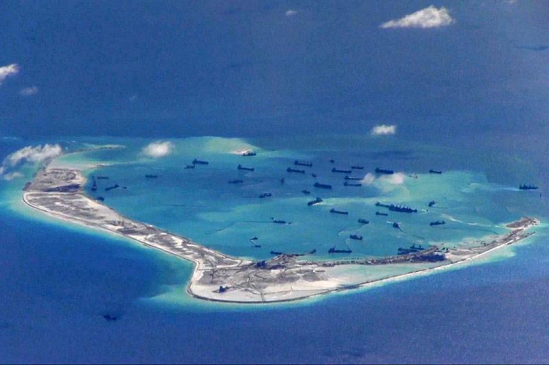 Militärschiffe bei den Spratrly-Inseln