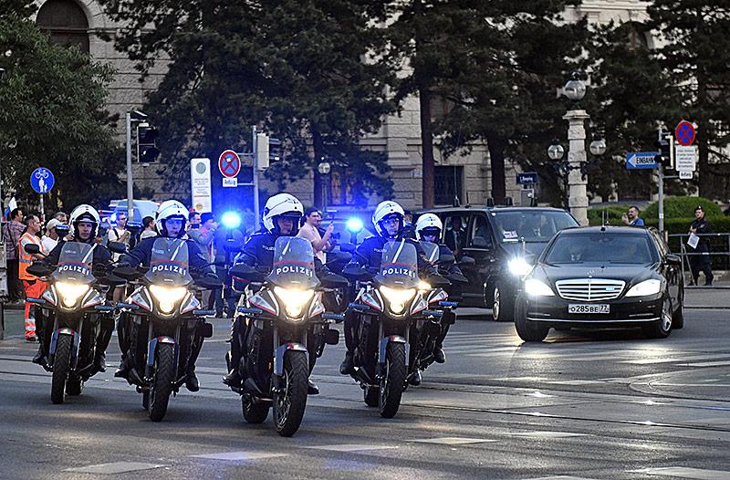 Polizeikonvoi am 5. Juni in Wien anlässlich des Besuchs des russischen Präsidenten Wladimir Putin