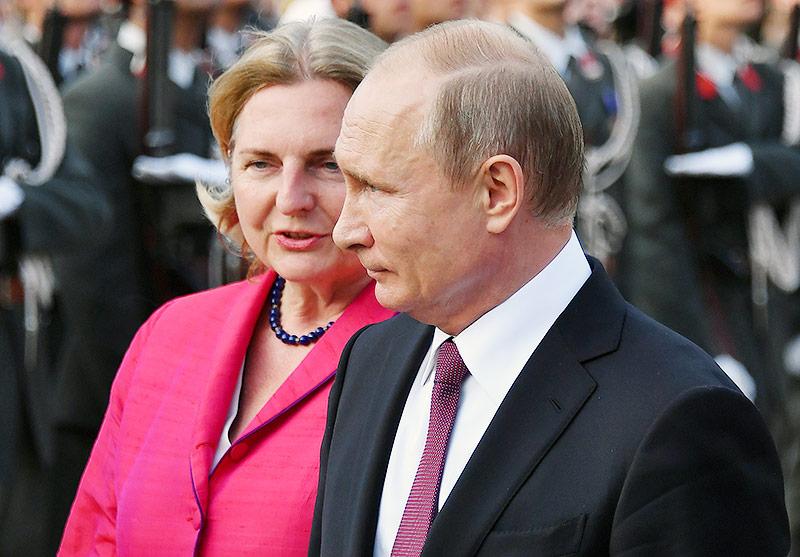 И вновь Путин в Австрии Putin_kneissl_hochzeit_body_afp.4835168