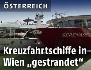 Schiffe warten in Wien