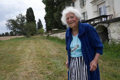 102 Jahre alte Französin in Ehrenlegion aufgenommen