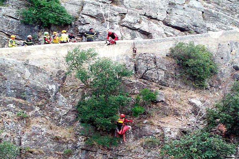 Einsatzkräfte bei der Raganello-Schlucht in Kalabrien